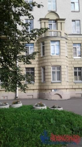 3-комнатная квартира (82м2) на продажу по адресу Среднеохтинский пр., 2— фото 16 из 17