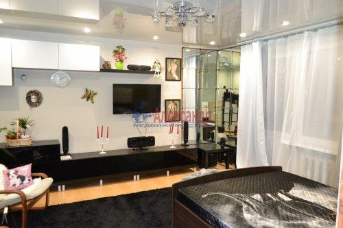 2-комнатная квартира (51м2) на продажу по адресу Рябовское шос., 121— фото 1 из 6