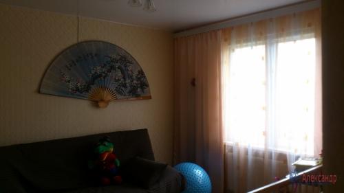 3-комнатная квартира (77м2) на продажу по адресу Осиновая Роща пос., Приозерское шос., 12— фото 2 из 17