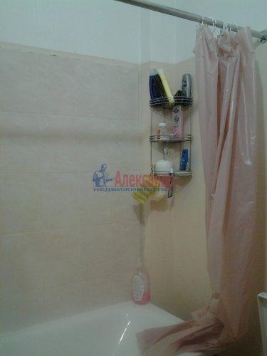 Комната в 3-комнатной квартире (74м2) на продажу по адресу Гранитная ул., 8— фото 4 из 6
