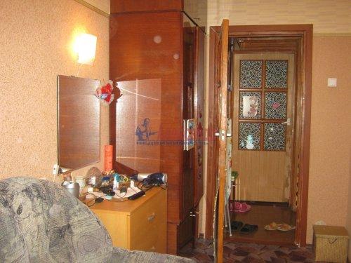 Комната в 6-комнатной квартире (117м2) на продажу по адресу Композиторов ул., 24— фото 3 из 8