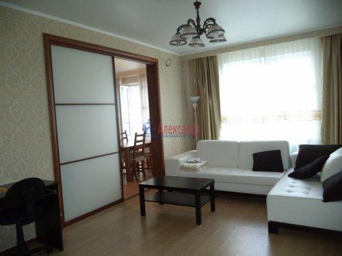 3-комнатная квартира (109м2) на продажу по адресу Луначарского пр., 13— фото 8 из 27