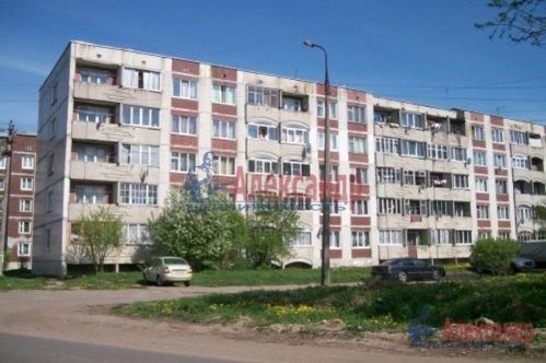 1-комнатная квартира (36м2) на продажу по адресу Оредеж пос., Карла Маркса ул., 10— фото 1 из 11