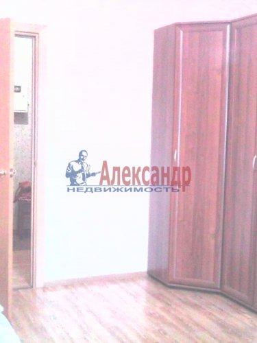2-комнатная квартира (61м2) на продажу по адресу Оптиков ул., 52— фото 9 из 10