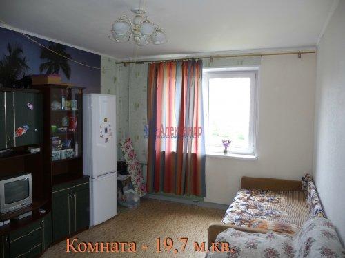 Комната в 6-комнатной квартире (198м2) на продажу по адресу Маршала Новикова ул., 13— фото 15 из 23