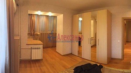 2-комнатная квартира (72м2) на продажу по адресу Науки пр., 63— фото 5 из 18