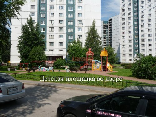 Комната в 6-комнатной квартире (198м2) на продажу по адресу Маршала Новикова ул., 13— фото 2 из 23