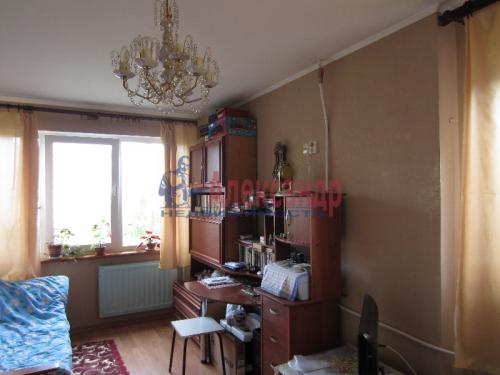 2 комнаты в 3-комнатной квартире (64м2) на продажу по адресу Горелово пос., Красносельское шос., 46— фото 1 из 12