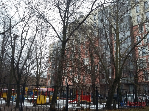 3-комнатная квартира (56м2) на продажу по адресу Летчика Пилютова ул., 44— фото 2 из 19
