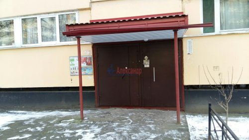 3-комнатная квартира (60м2) на продажу по адресу Ленинский пр., 118— фото 10 из 11