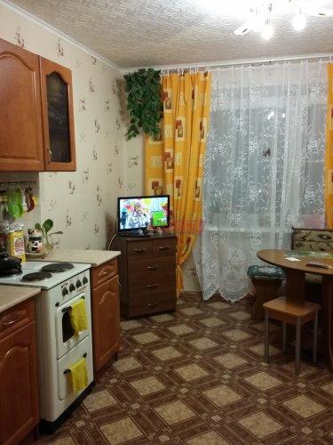 2 комнаты в 16-комнатной квартире (380м2) на продажу по адресу Красное Село г., Гвардейская ул., 25— фото 4 из 9