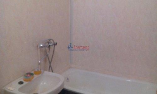 2-комнатная квартира (43м2) на продажу по адресу Волхов г., Молодежная ул., 12— фото 6 из 8