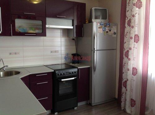3-комнатная квартира (80м2) на продажу по адресу Пионерстроя ул., 29— фото 2 из 6