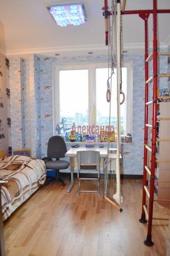 3-комнатная квартира (80м2) на продажу по адресу Комендантский пр., 53— фото 15 из 18