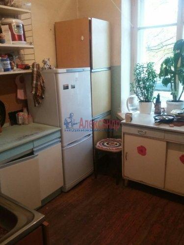 Комната в 4-комнатной квартире (94м2) на продажу по адресу Понтонный пос., Заводская ул., 3— фото 1 из 4