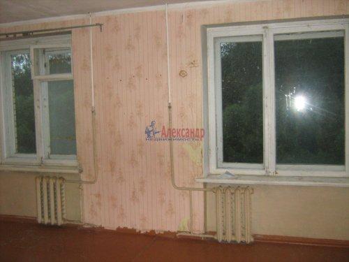 3-комнатная квартира (74м2) на продажу по адресу Кириши г., Строителей ул., 16— фото 1 из 12