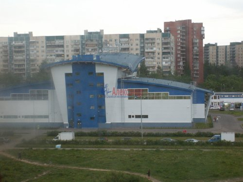 2-комнатная квартира (60м2) на продажу по адресу Доблести ул., 17— фото 6 из 21
