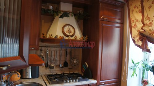2-комнатная квартира (46м2) на продажу по адресу Маршала Тухачевского ул., 5— фото 2 из 15