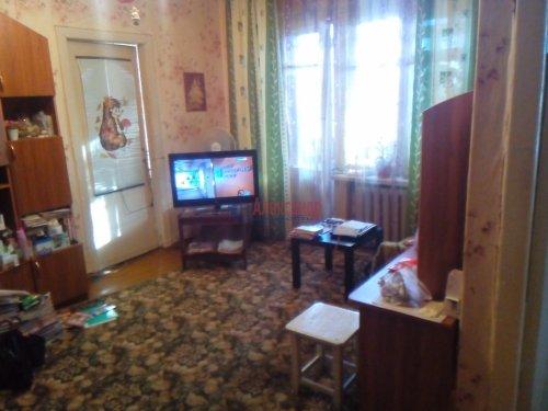 2-комнатная квартира (46м2) на продажу по адресу Волхов г., Вали Голубевой ул., 1— фото 2 из 4