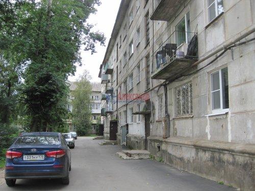 2-комнатная квартира (41м2) на продажу по адресу Волхов г., Работниц ул., 4— фото 1 из 6
