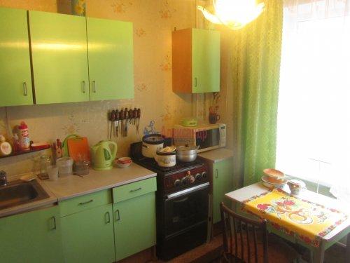 1-комнатная квартира (40м2) на продажу по адресу Гатчина г., Красных Военлетов ул., 9— фото 1 из 5