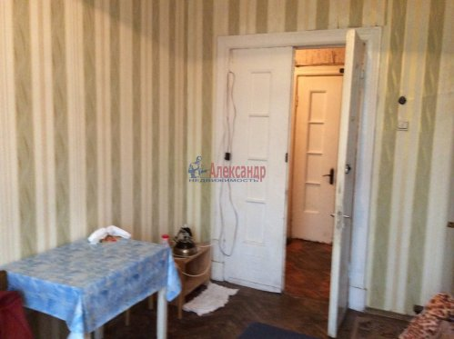 Комната в 4-комнатной квартире (94м2) на продажу по адресу Большой Сампсониевский пр., 92— фото 2 из 4