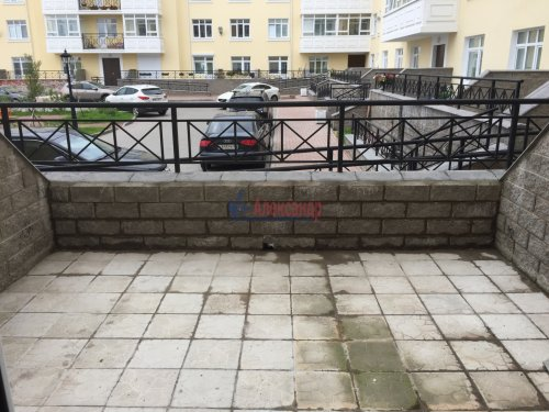 2-комнатная квартира (82м2) на продажу по адресу Пушкин г., Анциферовская (Гуммолосары) ул., 12— фото 7 из 16