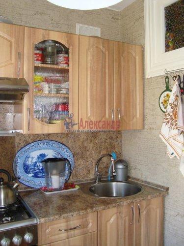 2-комнатная квартира (44м2) на продажу по адресу Луга г., Красной Артиллерии ул., 28— фото 6 из 12
