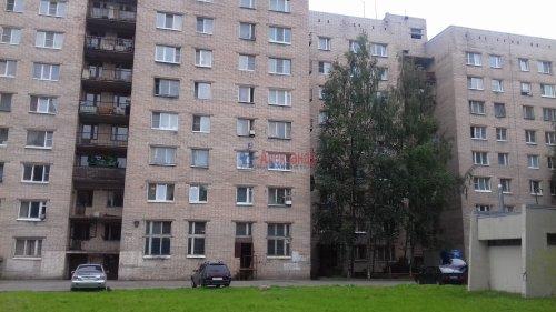 Комната в 8-комнатной квартире (197м2) на продажу по адресу Коллонтай ул., 25— фото 1 из 3