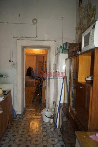 Комната в 6-комнатной квартире (129м2) на продажу по адресу Большой пр., 2— фото 6 из 7