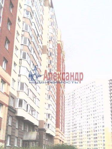 2-комнатная квартира (61м2) на продажу по адресу Оптиков ул., 52— фото 1 из 10
