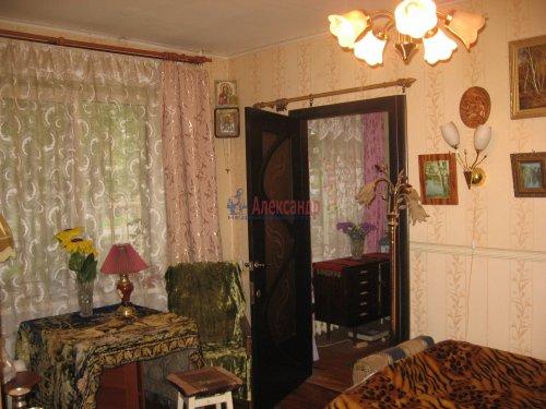 2-комнатная квартира (43м2) на продажу по адресу Волхов г., Дзержинского ул., 20 б— фото 2 из 2