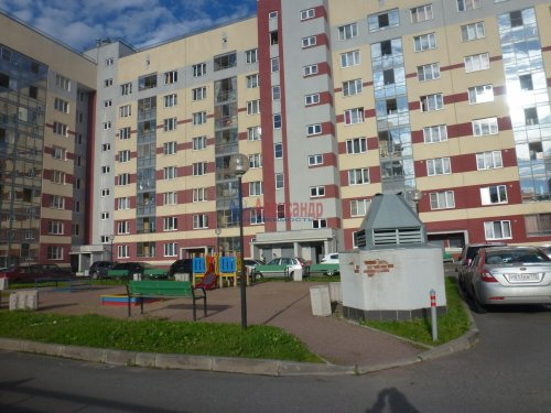 2-комнатная квартира (60м2) на продажу по адресу Доблести ул., 17— фото 3 из 21