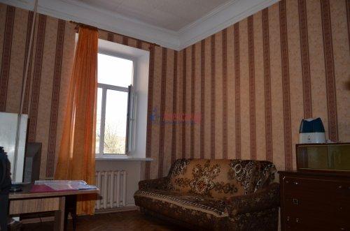 Комната в 2-комнатной квартире (52м2) на продажу по адресу Петергоф г., Санкт-Петербургский пр., 30— фото 2 из 9