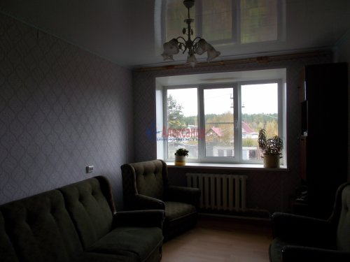 3-комнатная квартира (65м2) на продажу по адресу Тихвин г., Ленинградская ул., 76— фото 1 из 5