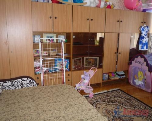 3-комнатная квартира (85м2) на продажу по адресу Сертолово г., Ларина ул., 6— фото 3 из 12