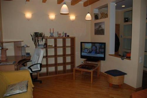 3-комнатная квартира (101м2) на продажу по адресу Чернышевского пл., 8— фото 3 из 7
