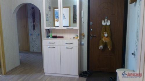 3-комнатная квартира (77м2) на продажу по адресу Осиновая Роща пос., Приозерское шос., 12— фото 13 из 17