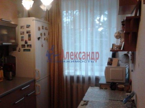 1-комнатная квартира (30м2) на продажу по адресу Стрельна г., Попова ул., 9— фото 1 из 5
