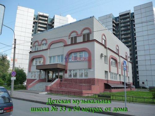 Комната в 6-комнатной квартире (198м2) на продажу по адресу Маршала Новикова ул., 13— фото 8 из 23