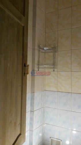 Комната в 9-комнатной квартире (250м2) на продажу по адресу Конторская ул., 14— фото 4 из 14