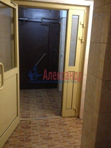 1-комнатная квартира (40м2) на продажу по адресу Большевиков пр., 30— фото 10 из 13