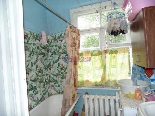 Комната в 5-комнатной квартире (102м2) на продажу по адресу Сертолово г., Черная речка мкр., 4— фото 5 из 8