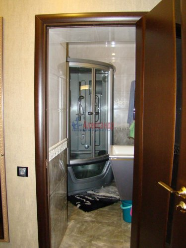 1-комнатная квартира (42м2) на продажу по адресу Петергофское шос., 45— фото 14 из 17