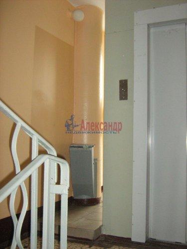 2-комнатная квартира (50м2) на продажу по адресу Светлановский просп., 62— фото 3 из 22