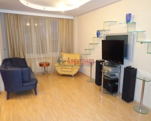 3-комнатная квартира (115м2) на продажу по адресу Нахимова ул., 7— фото 1 из 10