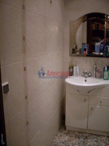 2-комнатная квартира (64м2) на продажу по адресу Рощино пгт., Садовый пер., 6— фото 9 из 10