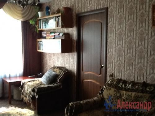 4-комнатная квартира (74м2) на продажу по адресу Коммунар г., Садовая ул., 6— фото 2 из 12