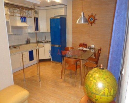 3-комнатная квартира (115м2) на продажу по адресу Нахимова ул., 7— фото 2 из 10