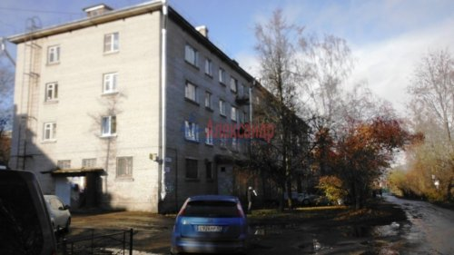 2-комнатная квартира (44м2) на продажу по адресу Коммунар г., Советская ул., 8— фото 1 из 6
